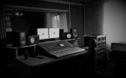 Estudio de Grabación de Reggaeton en Bogota 13